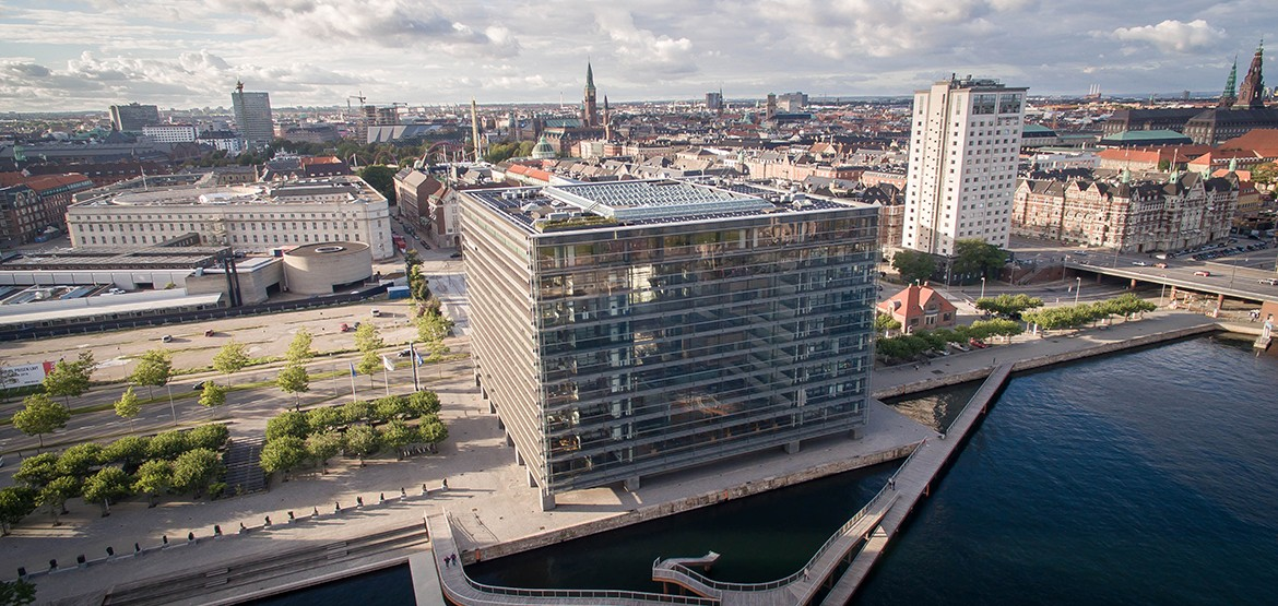 Remarkable Glass Cube by Schmidt Hammer Lassen Architects
