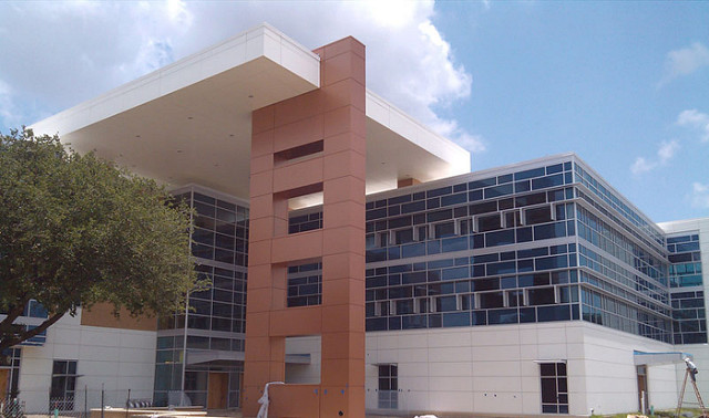 ALPOLIC Metallic Panels Upgrade Texas College