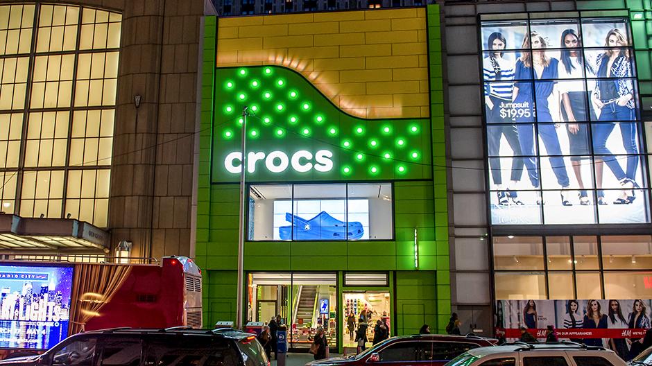 Crocs Flagship Store in NY City Using Alpolic Materials