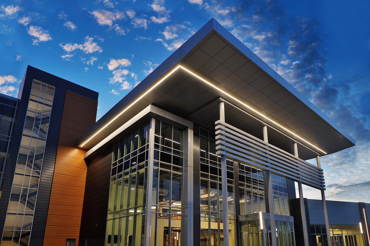 A Master Class in Metal Composite Materials: From design to build, the details that make MCM preferred by professionals